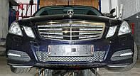 Декоративно-защитная сетка радиатора Mercedes-Benz (E212)  фальшрадиаторная решетка, фото 1