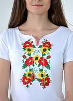 Женская белая трикотажная вышиванка с цветочным орнаментом