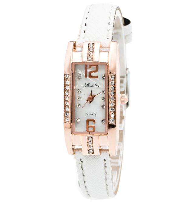 Наручний жіночий годинник з білим ремінцем код 251