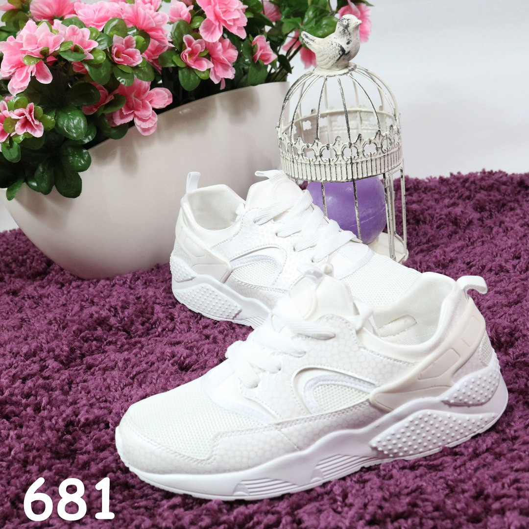 Женские кроссовки реплика Nike Huarache белые