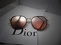 Модные солнцезащитные очки  Dior, розовые в черной оправе