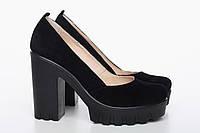 Женские туфли из черной замши на высокой черной платформе с каблуком