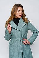 Стильное пальто с двубортным воротником. Мода и стиль