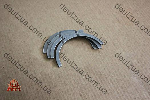 Полукольца упорные Дойц (Deutz) 912, 913 (04232790)