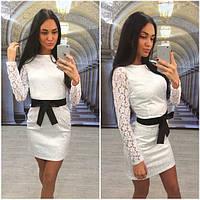 Белое жаккардовое платье с кружевными рукавами n-613942