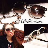 Женские стильные солнцезащитные очки с двухцветной оправой c-431690