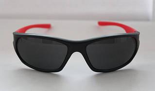 Солнцезащитные мужские очки спортивного типа