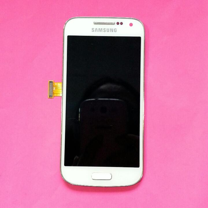 Дисплей для Samsung I9190 Galaxy S4 mini I9192 Galaxy S4 Mini DuosI9195 Galaxy S4 белый с тачскрином б/у