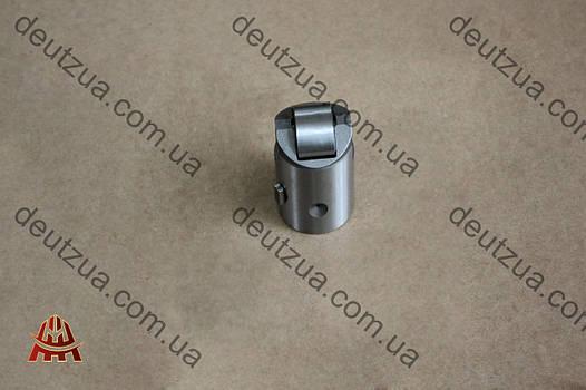 Толкатель роликовый Deutz (Дойц) 1013, 1012 (02113804)
