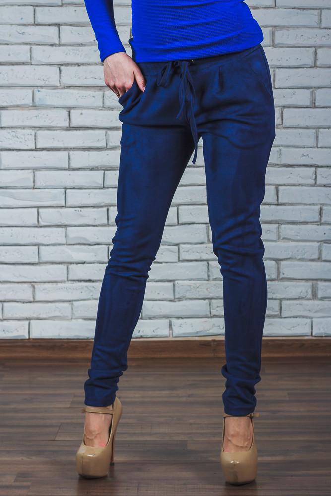 Стильные замшевые брюки синие