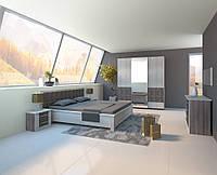 Спальня Айнур двух видов шкаф, прикроватные тумбы, комод, зеркало с туалетным столиком, кровать