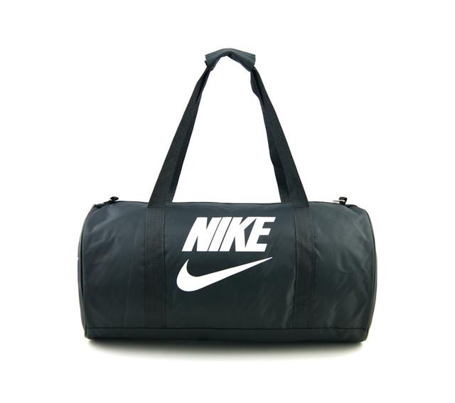 Спортивная сумка Nike | черная | вид спереди