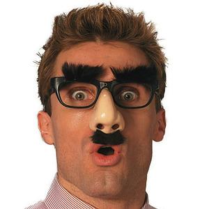 Накладные носы, бороды, усы, очки