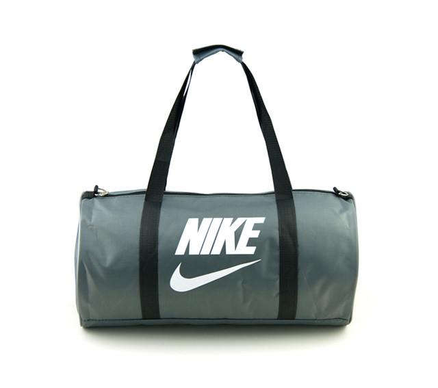 Спортивная сумка Nike | серая | вид спереди