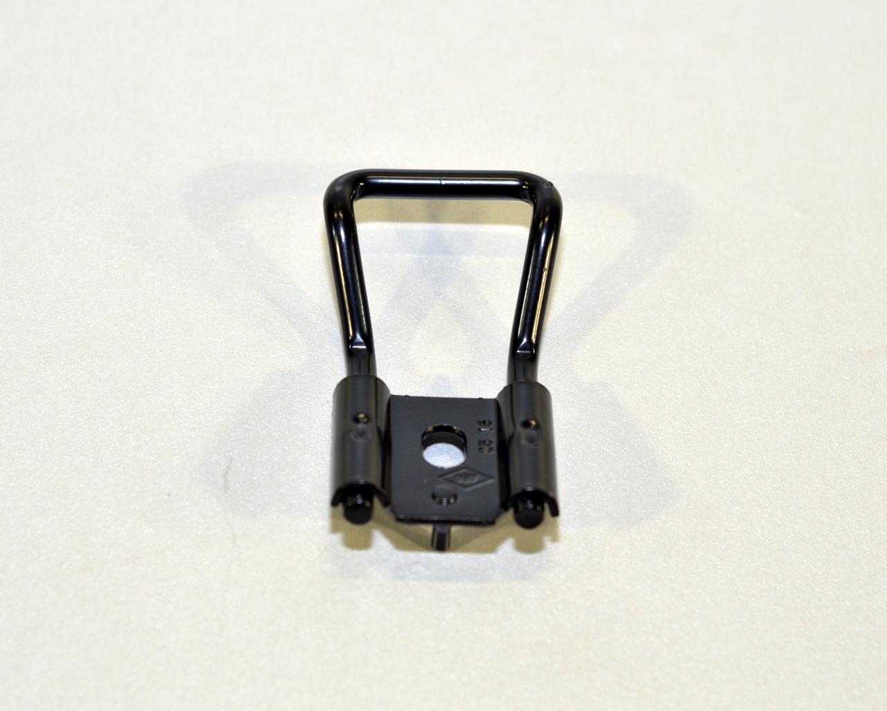 Скоба замка задней двери на Renault Kangoo 1997->2008 — Renault (Оригинал) 82 00 031 631
