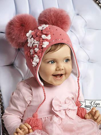 Красивая шерстяная шапочка ушаночка с аппликацией ручной роботы и помпонами, фото 2