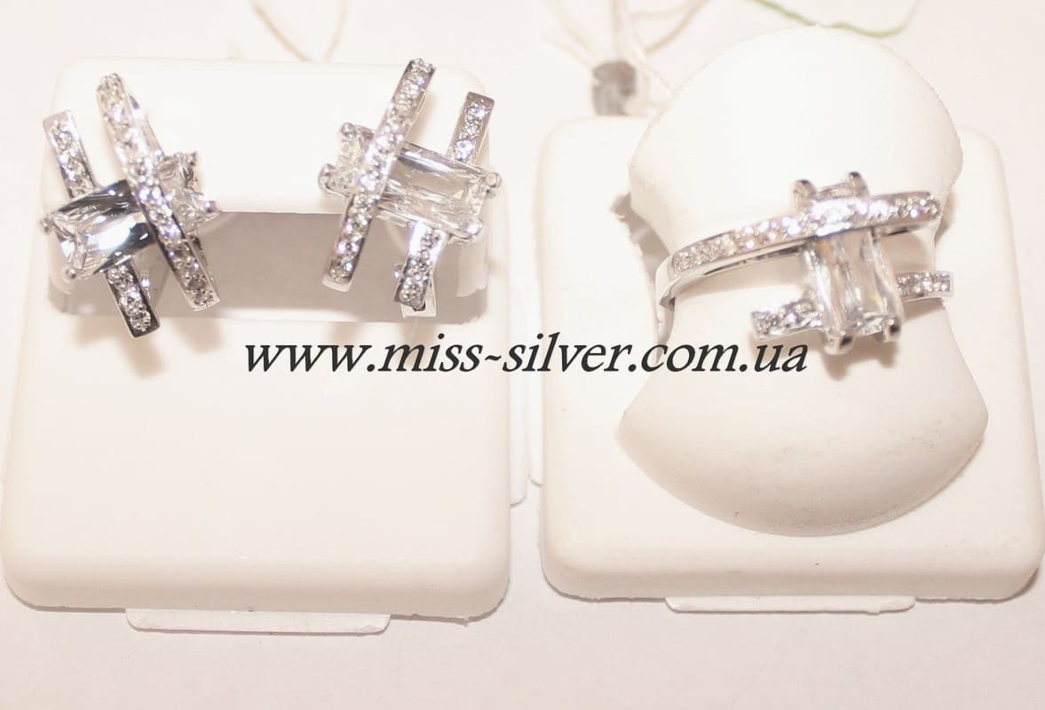 Комплект серебряный с белыми фианитами Арина