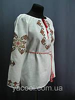 Блуза вышита в народном стиле орнамент. Лен .
