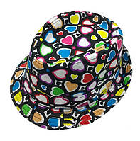 Шляпа для девочки в сердечки.