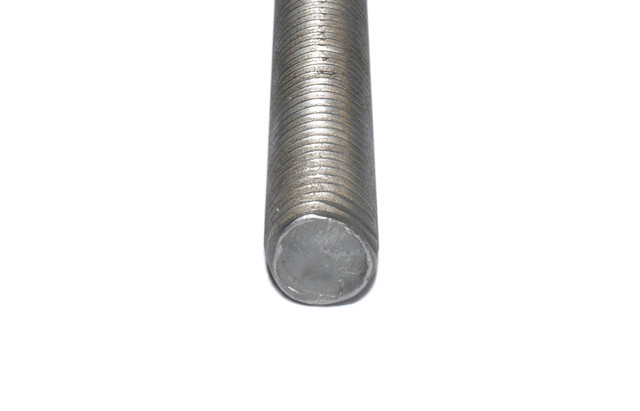 картинка шпилька М18 высокопрочная