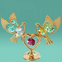 """Фигурка """"Два голубя на сердце"""" с цветными кристаллами Swarovski"""