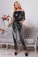 Велюровый комбинезон, декорированный вышивкой, 42-52 размеры