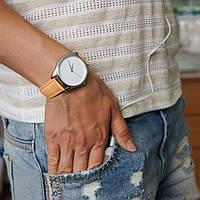 Часы наручные Минимализм кремовый