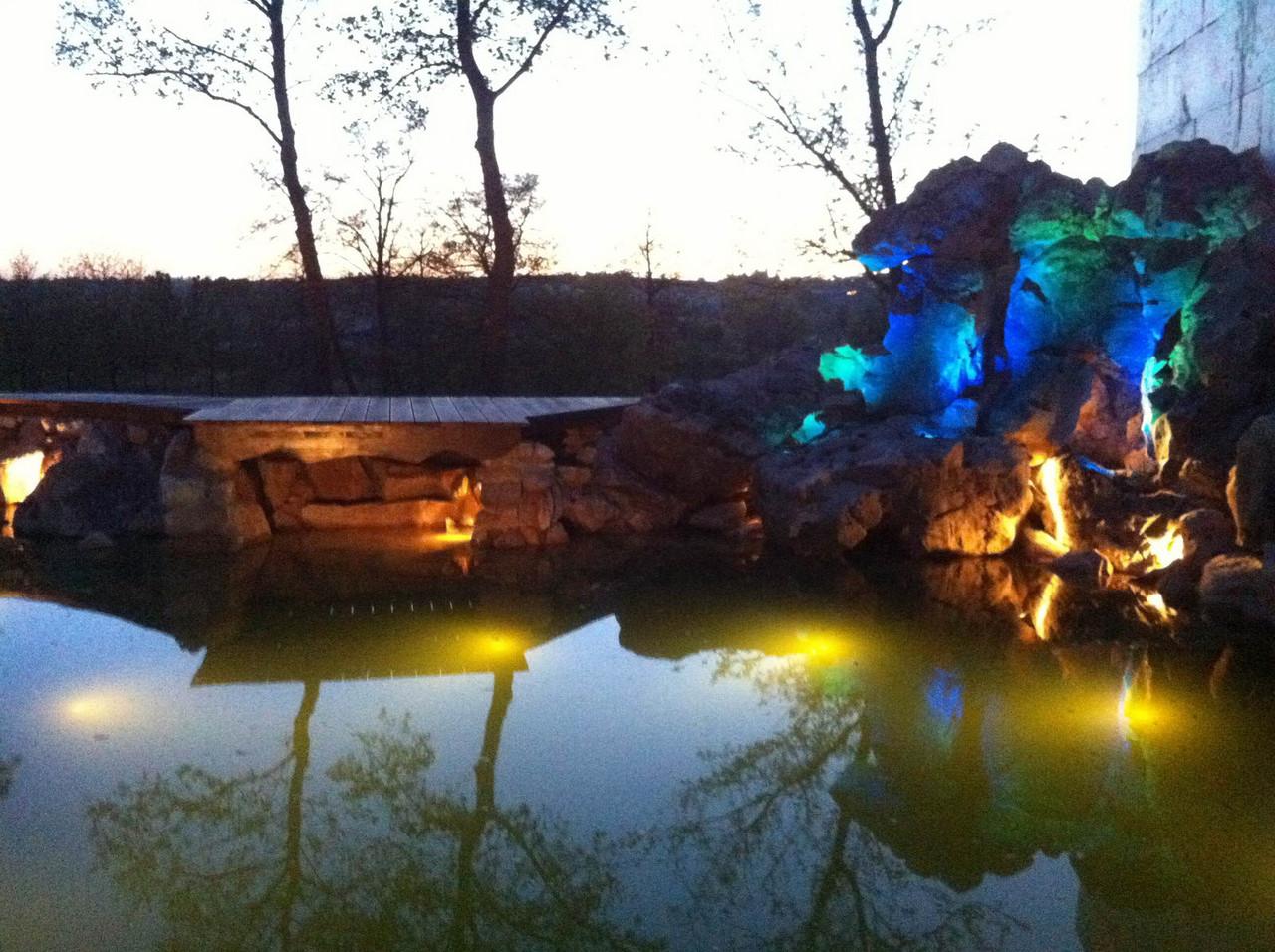 Установка підсвічування для ставків, басейнів, фонтанів