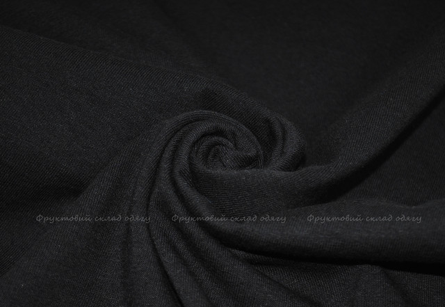 Чёрная женская классическая футболка