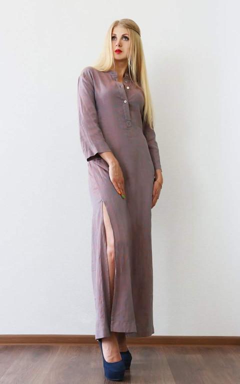 Льняное платье свободного кроя из меланжевой ткани