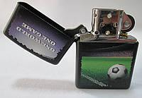 Зажигалка ZIPPO (28301) чёрная, матовая, рисунок -  мяч на траве