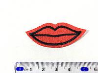 Нашивка Губки (lips) kiss фетр 6x2,8см