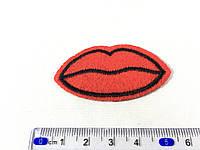 Нашивка Губки (lips) kiss фетр 6x3,4см