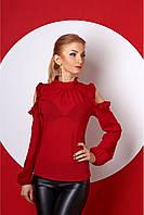 Стильная женская шифоновая блуза с вырезом на плечах бордового цвета