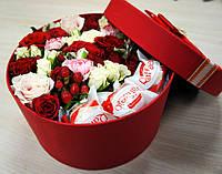 """Цветы и конфеты в коробочке """"Сюрприз для именинницы"""""""
