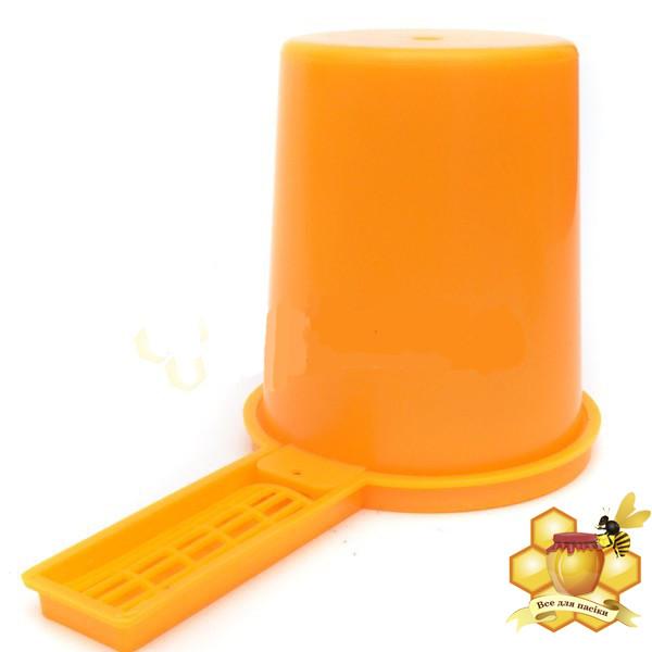 Поїлка внутрилетковая 0,5 л (пластикова)