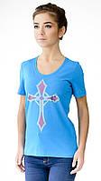 """Футболка женская с аппликцией """"Cross"""" из блесток.Модный глубокий вырез,усиленный плечевой шов"""