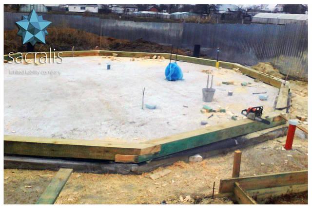 Фундамент купольного дома пришлось немного подправить диаметр Ø 10 метров