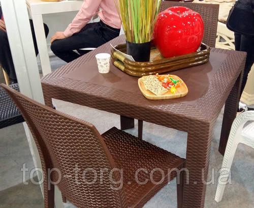 Стол пластиковый OW-T209S коричневый, имитация ротанга