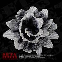 Заколка белый цветок с черным фатином, брошь
