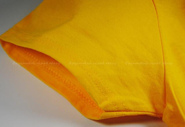 Солнечно-жёлтая женская классическая футболка