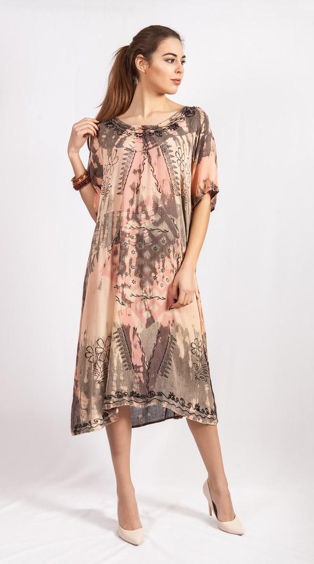 фотография летнее женское платье свободного размера