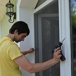 Москитная сетка на балконную дверь белая
