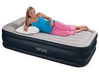Надувные матрасы, диваны и подушки