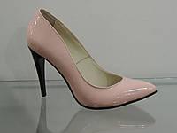 Туфли женские бежевые лаковые на шпильке