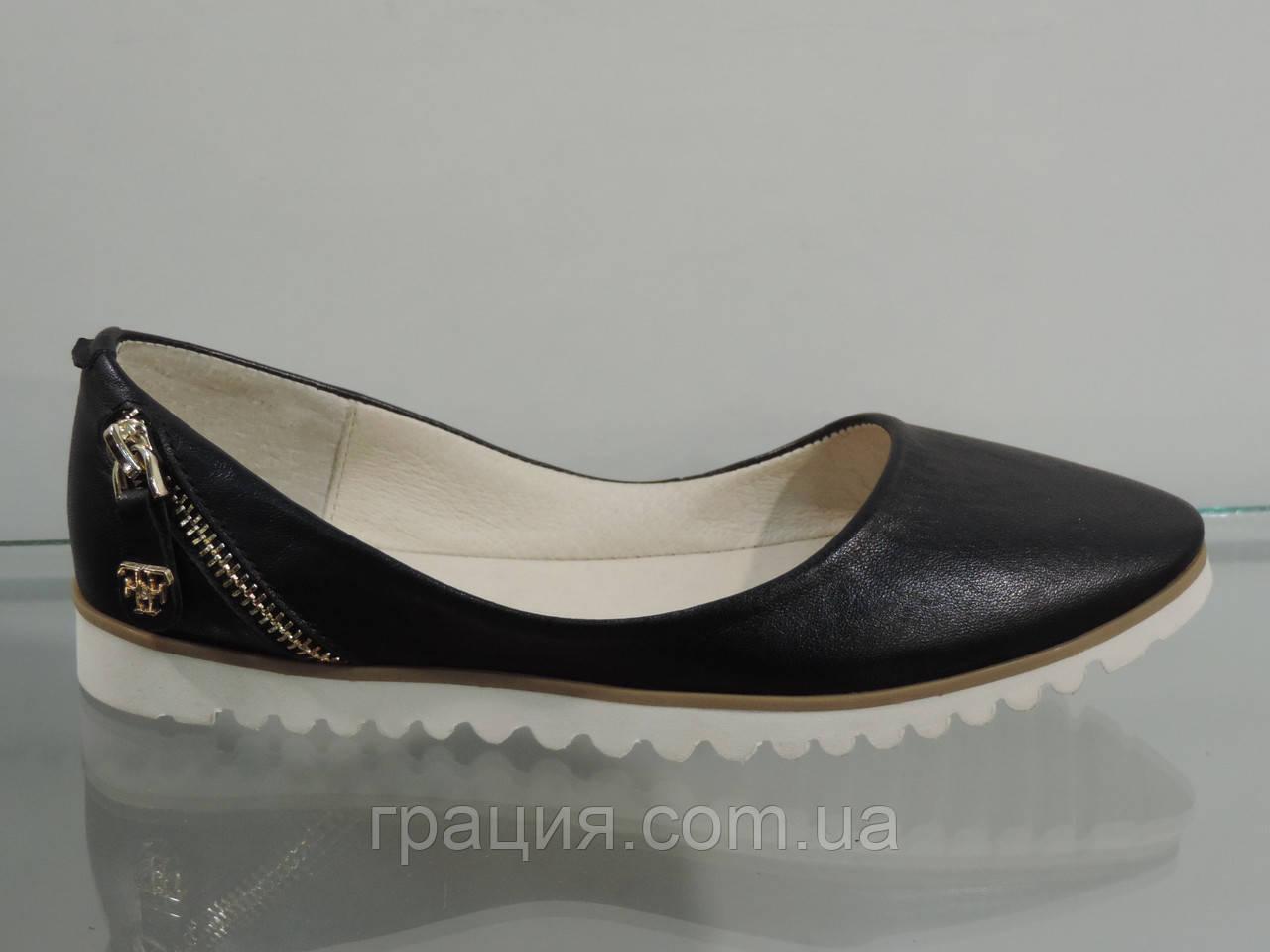 Женские кожаные черные балетки