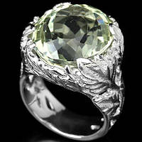 Серебряное кольцо с зелёным аметистом 17 р