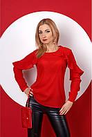 Яркая стильная блуза с рюшами в красном цвете