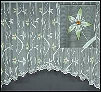 Короткая тюль до подоконника в цветочек
