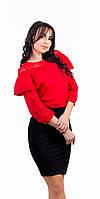 Женская блузка с воланом и гипюром красная